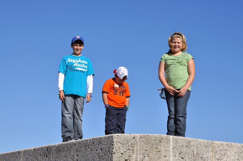 San Jacinto Monument 003 - kids.jpg