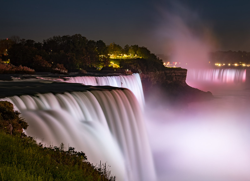 DA029,DT, The Falls at Night Niagara Falls NY.jpg