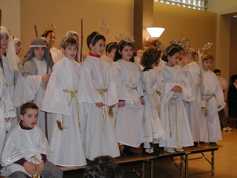 2002-12-21-HT-Christmas-Pageant_123.jpg