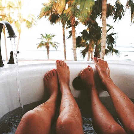 Did_you_go_too_hard_over_the_weekend_Recover_with_a_long_bath_using_our_Salty_Bath_Salts_to_revive_your_muscles__detox_your_skin_and_leave_it_soft_and_glowing.__theperfectsoak__sundayfunday__recovery_by_thesoaklife.jpg