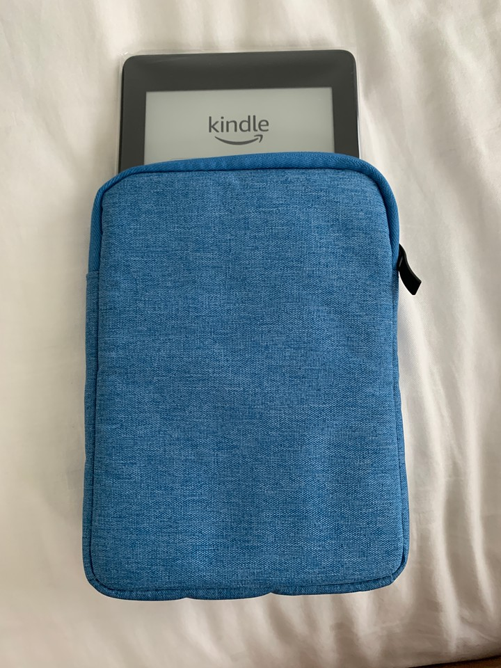 The new Amazon Paperwhite with its bag