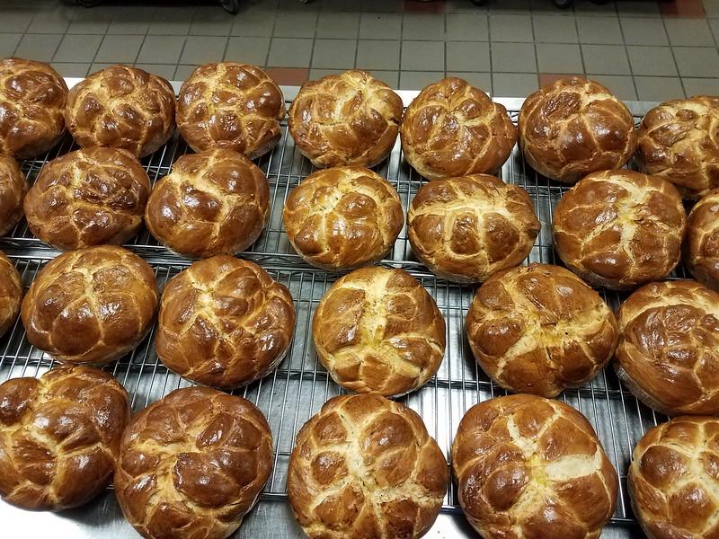 2018-12-20-Philoptochos-Bread-Baking_001.jpg