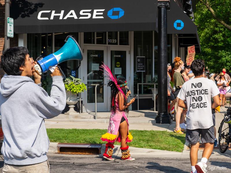 2021 08 16 Line 3 Protest Governor Mansion Chase Bank-24.jpg