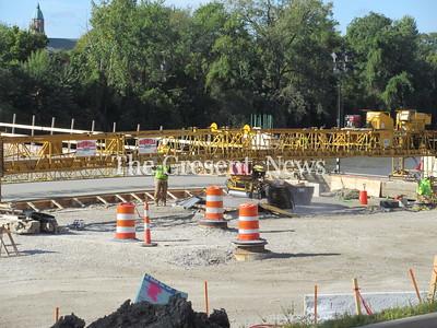 10-07-19 Clinton bridge end pour