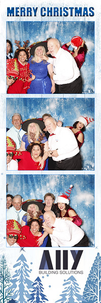 2018 ALLY CHRISTMAS PARTY BOOTH STRIPS_31.jpg