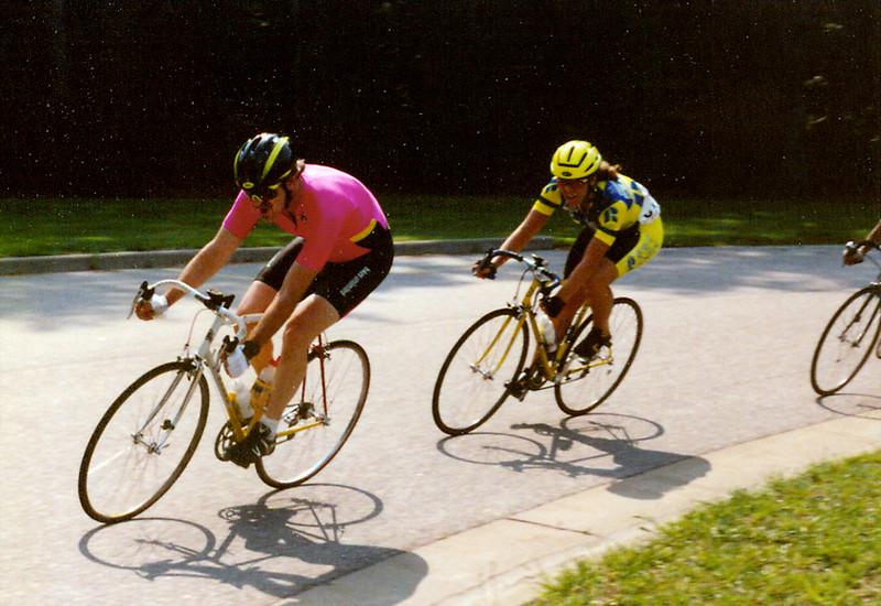 Criterium Tidewater VA - Bridging Up - 1989.jpg