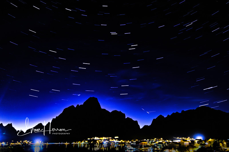 Reine star trails final.jpg