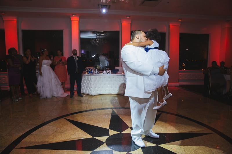 MER__0941_tonya_josh_new jerrsey wedding photography.jpg