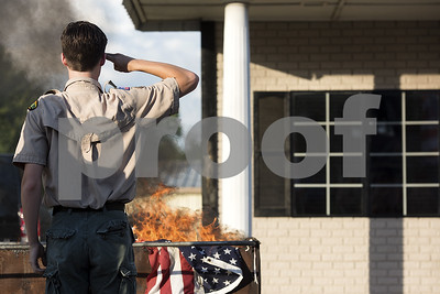 scouts-burn-more-than-90-american-flags-in-retirement-ceremony