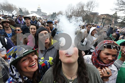 colorado-defends-pot-law-says-states-free-to-legalize-weed