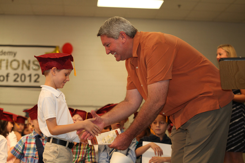 2012May18_MTA Kinder Grad_9742.JPG