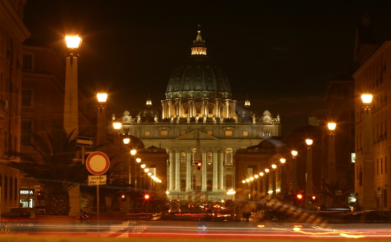 st-peters-at-night_2142087300_o.jpg