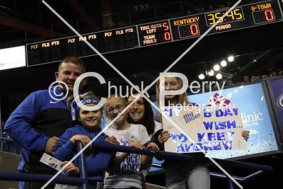 2014-11-9-Georgetown Fans & Team