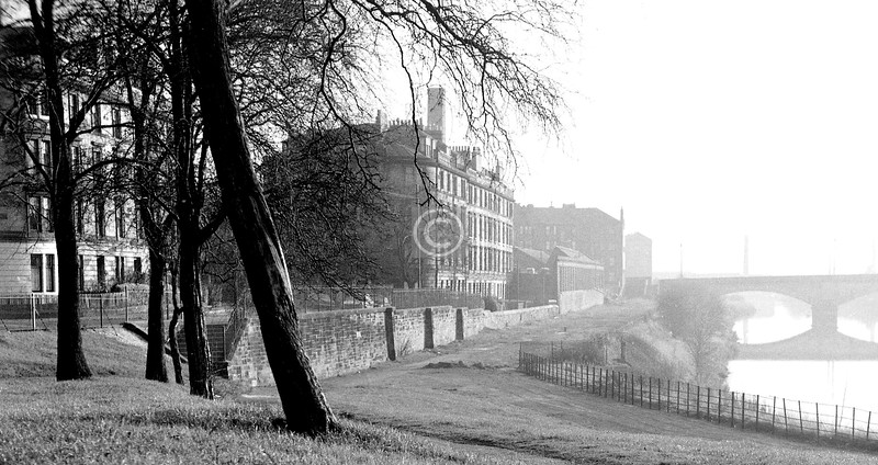 The site of Allan's Pen, with Rutherglen Bridge.  I'm not sure which, if any, of the buildings survive.  November 1973.