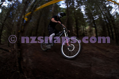 *UNPROCESSED* 2010 SI DH MTB champs