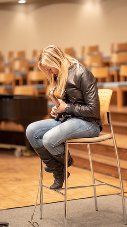 Music Sunday with Nita Strauss