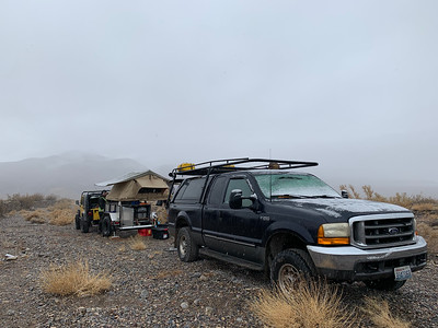 2019.12.23 Death Valley NP truck camping