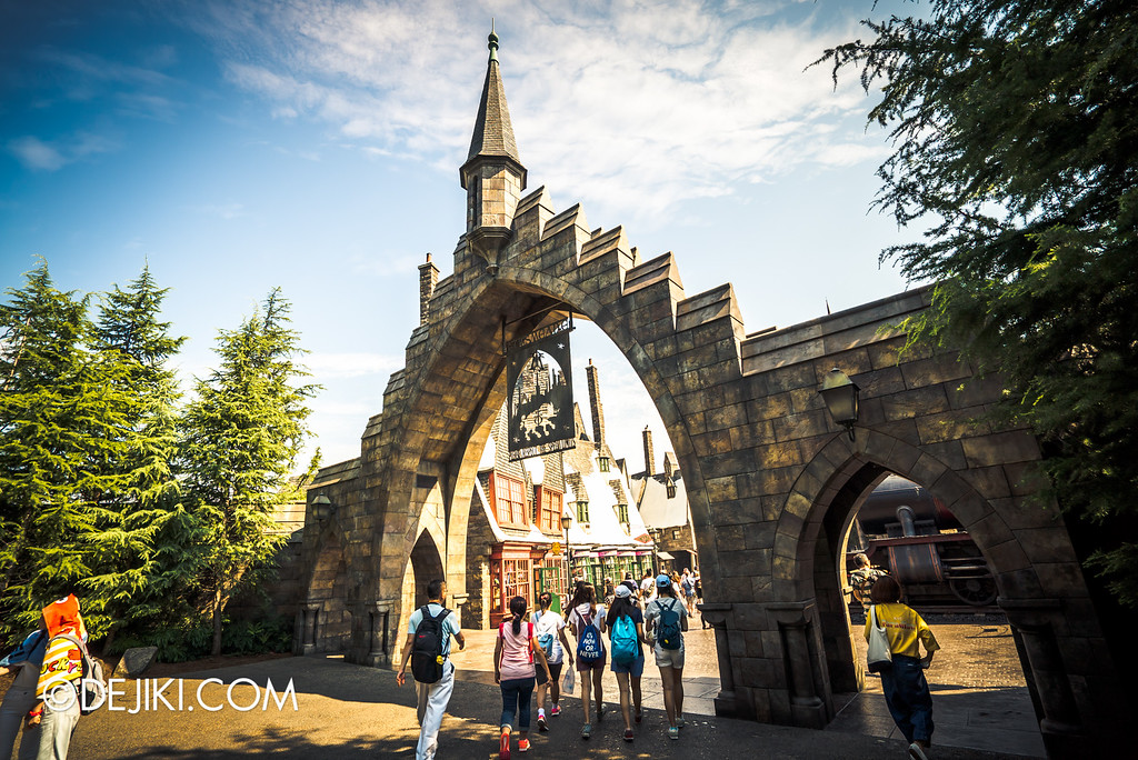 Universal Studios Japan - The Wizarding World of Harry Potter - Hogsmeade Arch
