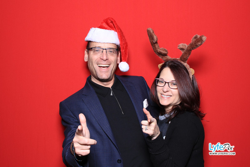 eastern-2018-holiday-party-sterling-virginia-photo-booth-0074.jpg