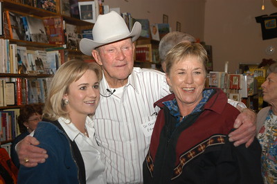 2002/11/23 - Charlie's Book Signing