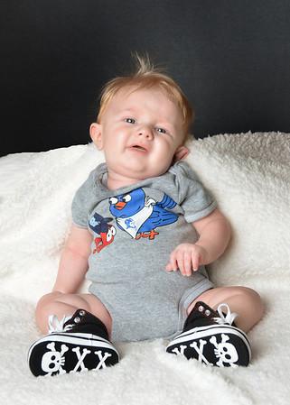 Liam 4 months