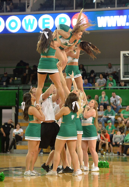 cheerleaders7936.jpg