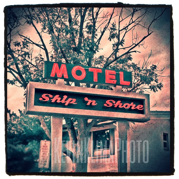 Ship 'n Shore Motel