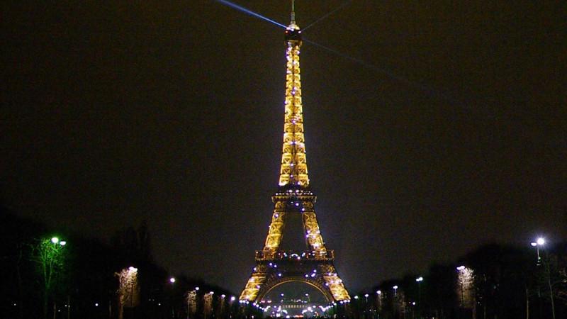 Eiffel Tower.avi