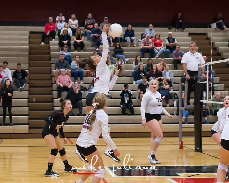 20181018-Tualatin Volleyball vs Canby-0659.jpg
