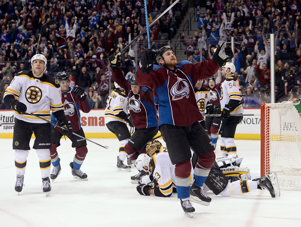 . DENVER, CO - JANUARY 21: Colorado Avalanche center Ryan O\'Reilly (90) celebrates his game tying goal with 1:45 left in the game January 21, 2015 at Pepsi Center. (Photo By John Leyba/The Denver Post)