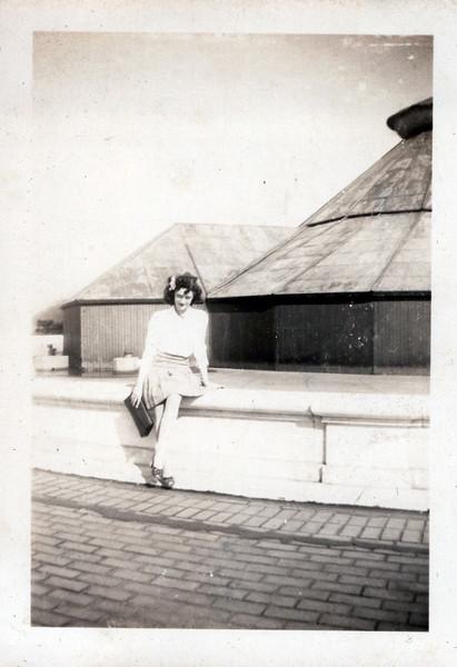 1940s Vivian Konyha (1).jpeg