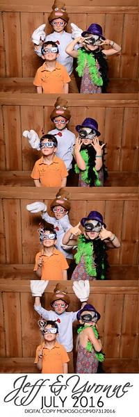 20160731_MoPoSo_Wedding_Photobooth_JeffYvonne-21.jpg