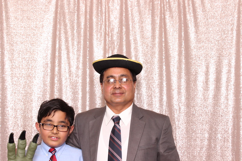 Boothie-PhotoboothRental-PriyaAbe-O-145.jpg