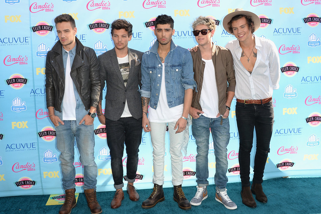 . (L-R) Singers Liam Payne, Louis Tomlinson, Zayn Malik, Niall Horan and Harry Styles of One Direction attend the Teen Choice Awards 2013 at Gibson Amphitheatre on August 11, 2013 in Universal City, California.  (Photo by Jason Merritt/Getty Images)