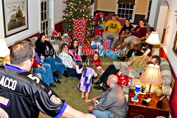 Family Christmas Gift Exchange - 01 Jan 2011