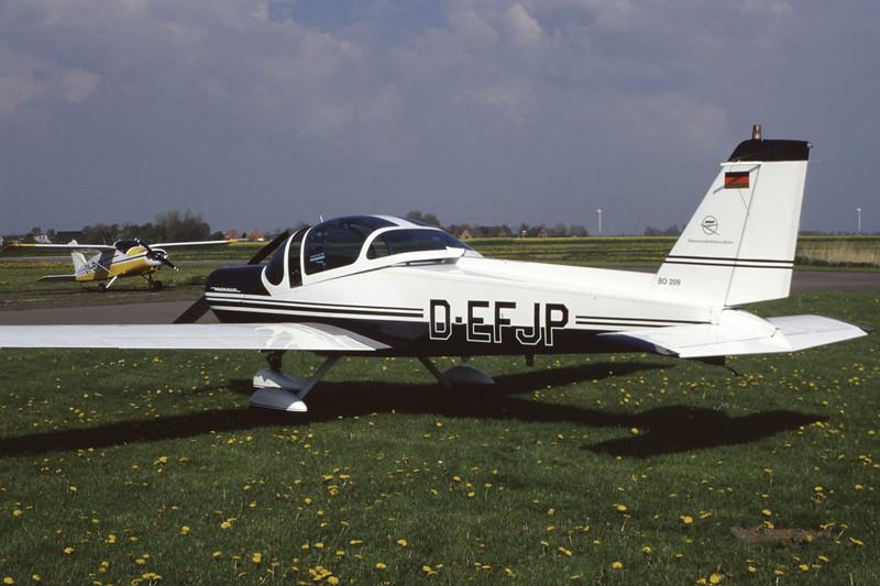 D-EFJP-MBBBo-209Monsun-Private-EDXB-1998-05-02-EK-36-KBVPCollection.jpg