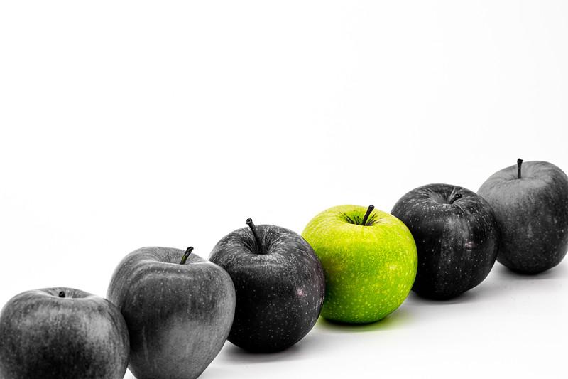 selective colour-green apple.jpg
