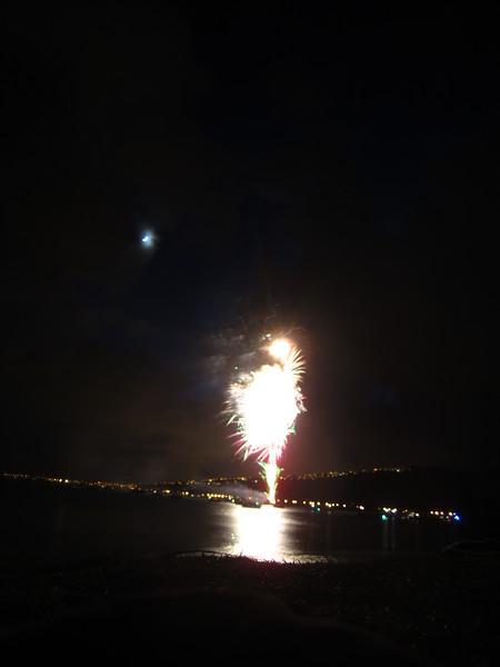 Hawaii - July 4th Fireworks-15.JPG