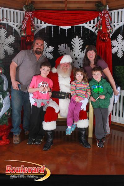 Santa 12-17-16-88.jpg