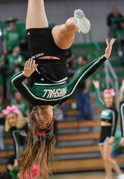 cheerleaders3332.jpg