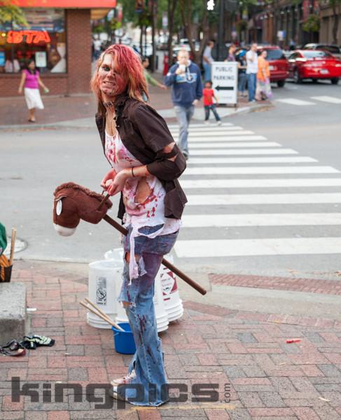 ZombieWalk2012131012178.jpg