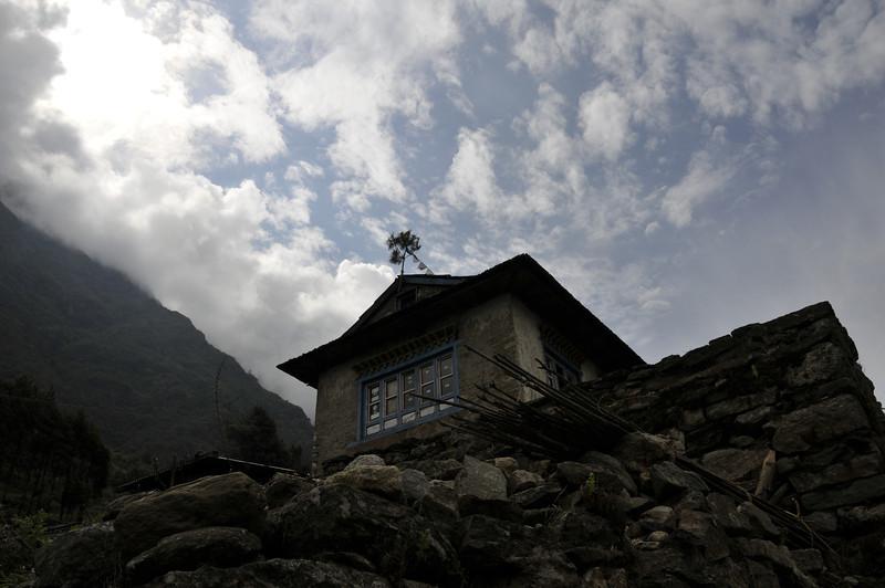 080516 2497 Nepal - Everest Region - 7 days 120 kms trek to 5000 meters _E _I ~R ~L.JPG