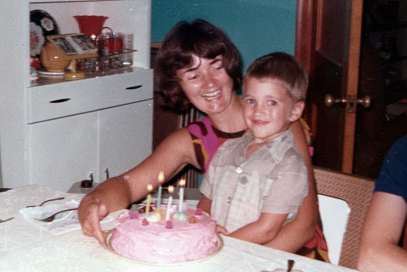 1973-07 - Jo & Jeffrey on his 4th BD