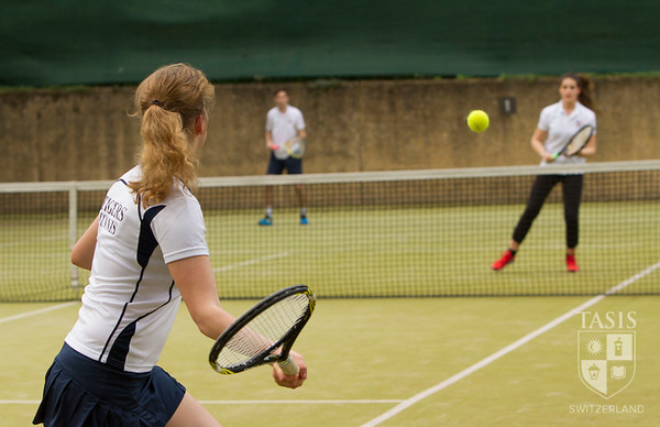 Tennis Team takes on the American School of Milan