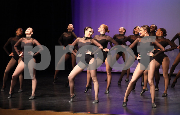 CHICAGO - Mane Attraction Dancers