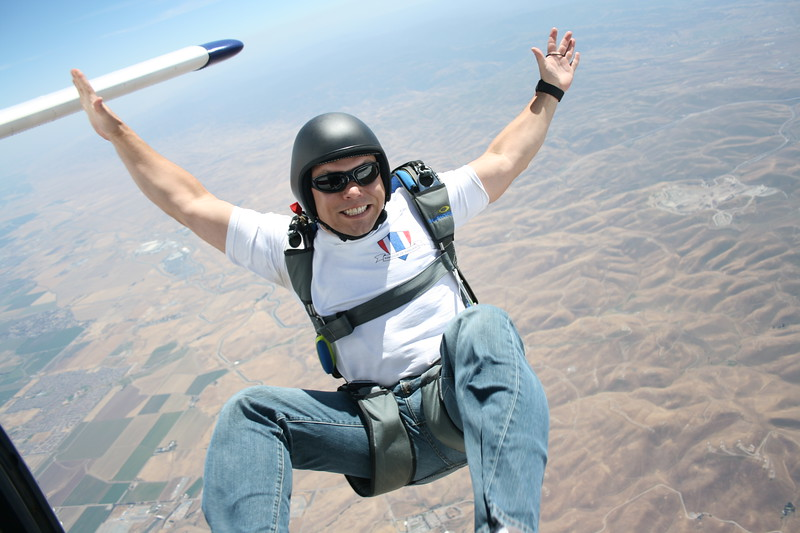 Craig Skydiving May 2009.JPG