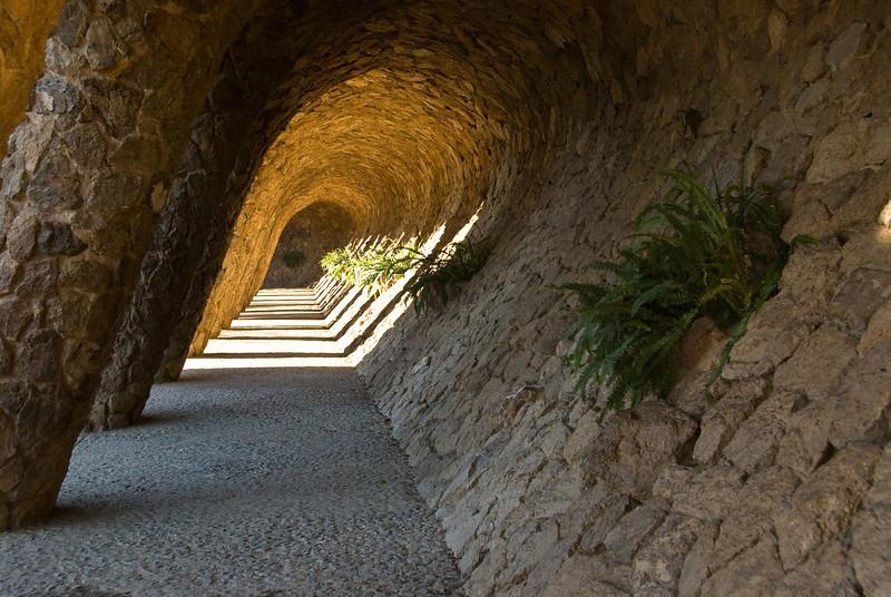 Tunnel area in Park Güell. (Dec 14, 2007, 10:46am)