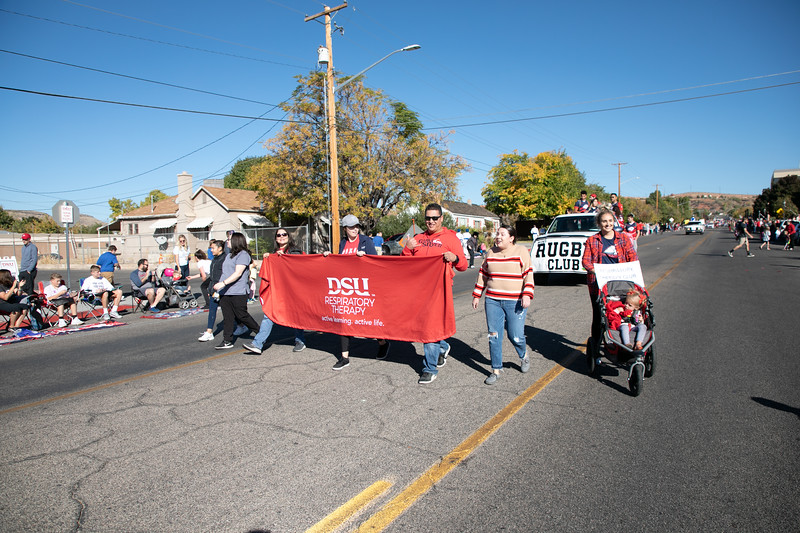 HOMECOMING PARADE 2019-2207.jpg