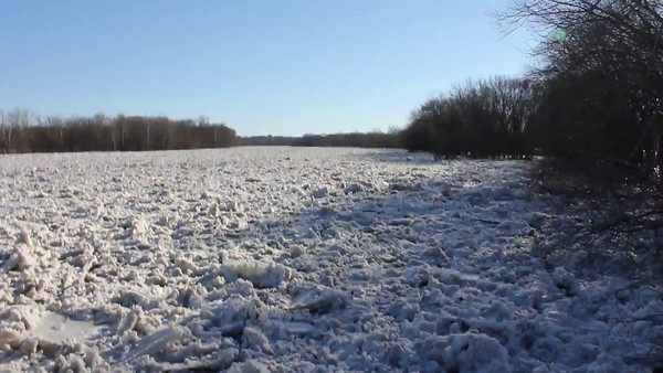 Video-Wabash River Ice Breaking Up  4 P.M. 2/21/14