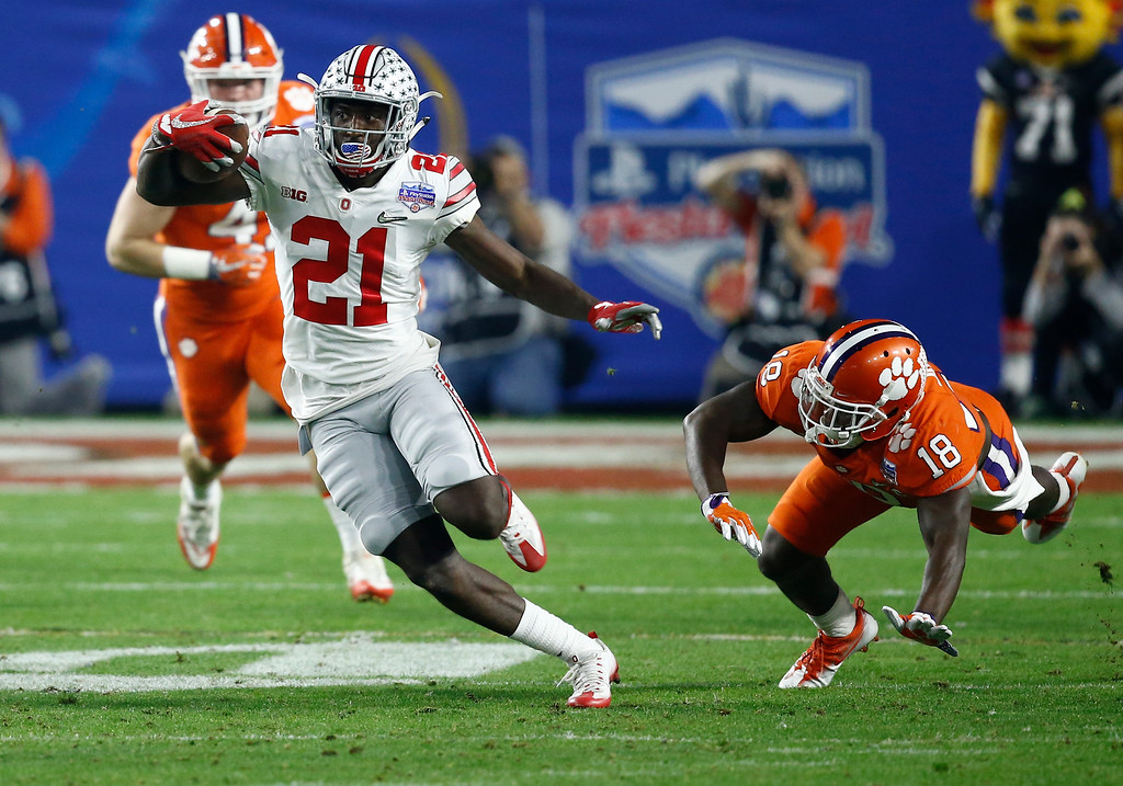 . Ohio State wide receiver Parris Campbell (21) runs against Clemson during the first half of the Fiesta Bowl NCAA college football game, Saturday, Dec. 31, 2016, in Glendale, Ariz. (AP Photo/Ross D. Franklin)